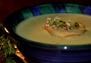 Pear and gorgonzola soup