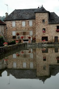 water in le pescher 5