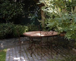 Joanne's garden in tours 3