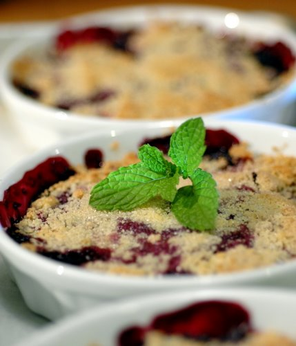 red berry crumble