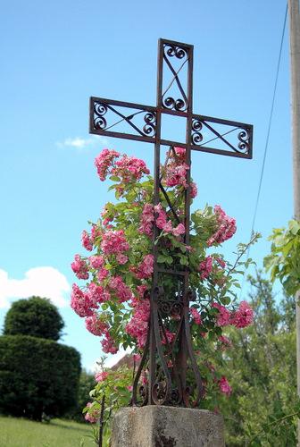 joliesse 4- croix au carrefour