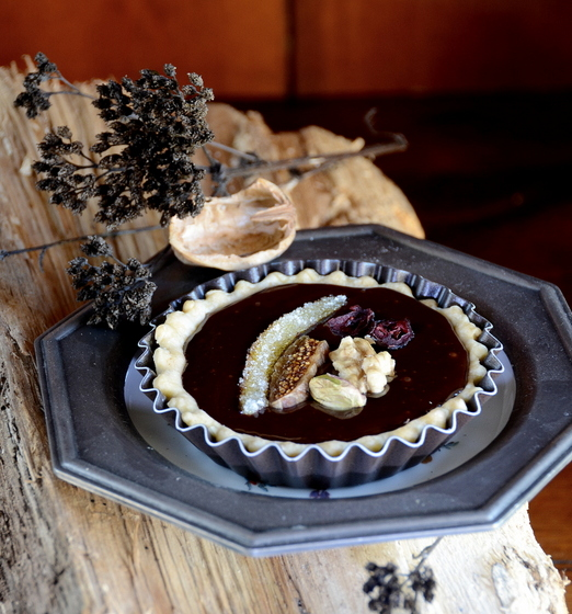 chocolate mendiant tartlet