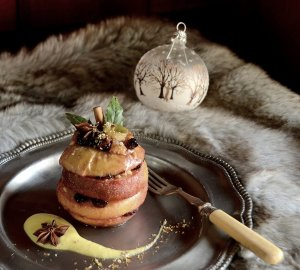apple turret with amaretto sauce large
