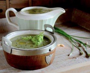 Nettle soup with petit pois pesto 05-06-2013 16-37-45 3420x2765