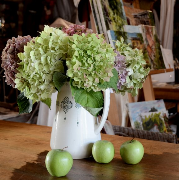 green hydrangeas and apples 04-10-2013 13-46-16 3132x3157