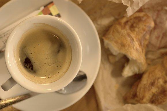 cafe 3039x2014.NEF