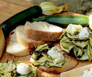 grilled courgette bruschettas 2334x1955