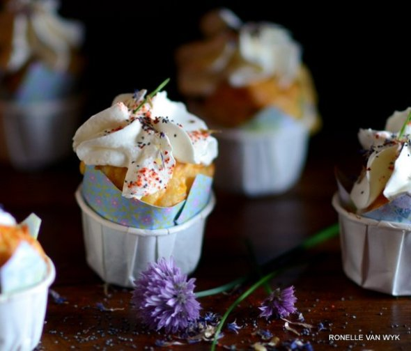 carrot and poppyseed cupcake-001