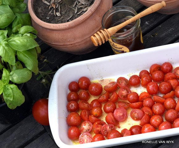 cottage cheese with roasted honey tomatoes